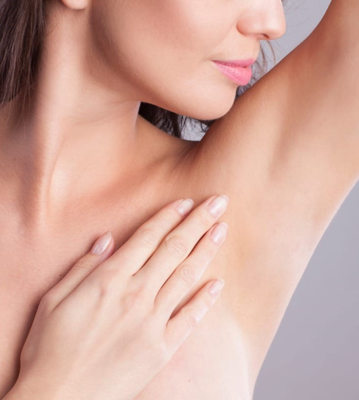 close-up-of-female-armpit-picture-id935751700
